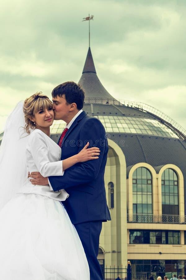 newlyweds fotos de archivo libres de regalías