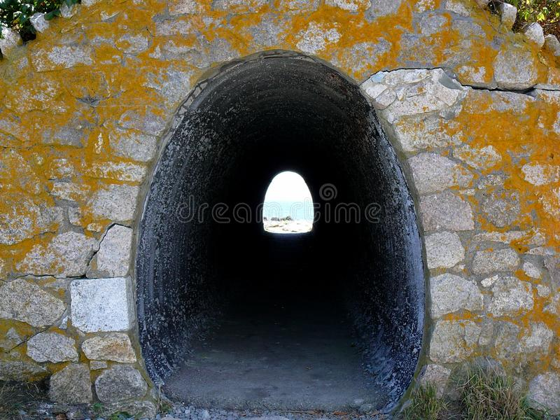 Newport Cliff Walk Tunnel foto de stock