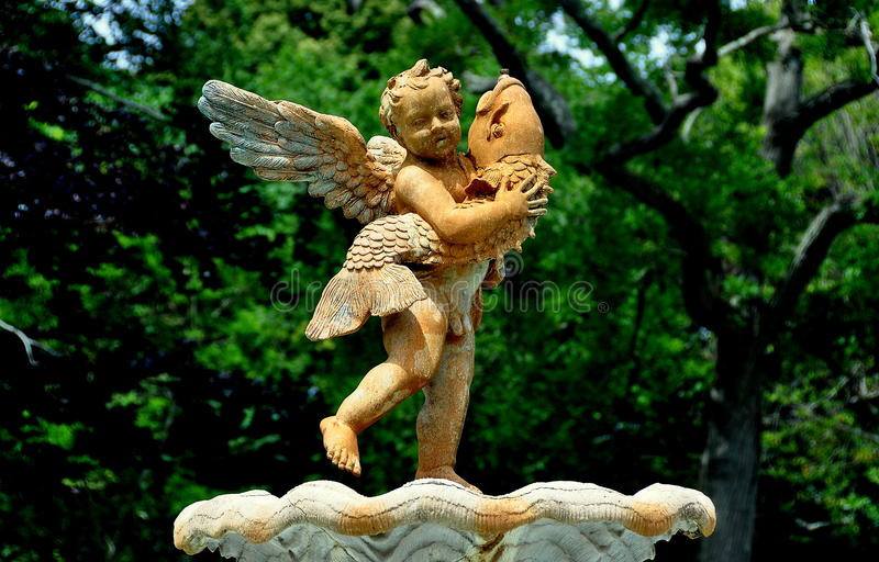 Newport, RI: Amorek statua przy Rosecliff dworem zdjęcie royalty free