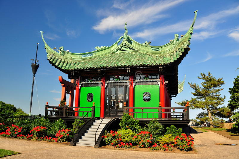 Newport, RI: Casa de chá chinesa na casa de mármore fotografia de stock royalty free