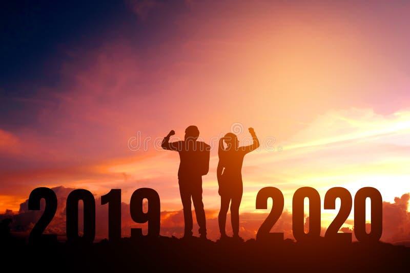 Newyear 2020 couplent le succès de célébration du concept de 2020 bonnes années photo stock