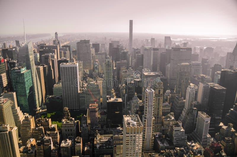 Newyork horisont från luft royaltyfria bilder