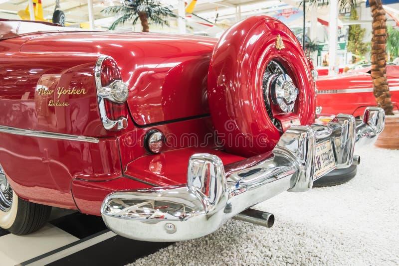 Newyorkese De Luxe Convertible 1954 di Chrysler fotografia stock libera da diritti
