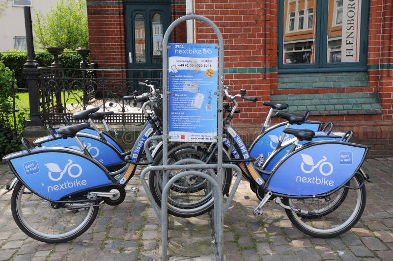 NEXTBIKE czynsz rower APP zdjęcie stock