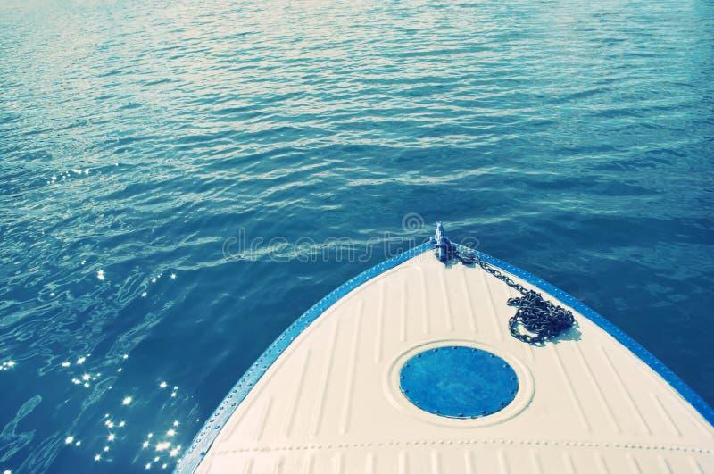 Nez et eau de bateau photo stock