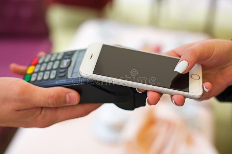 NFC - Près de la communication de champ, paiement mobile photos stock