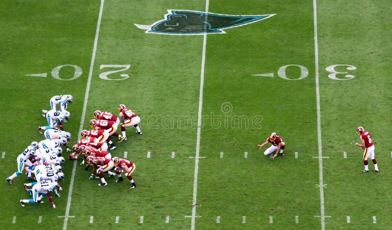 NFL - werden fertig, ein Feldziel zu treten stockfoto