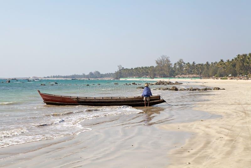 Ngapali strand, Myanmar royaltyfri bild