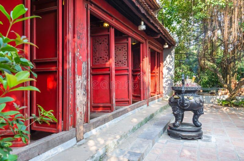 Ngoc儿子寺庙亦称外视图它`还剑湖位于中央玉山`的寺庙 库存照片