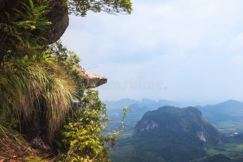 Ngon Nak wzgórza smoka grzebień, Krabi prowincja, Tajlandia obraz royalty free