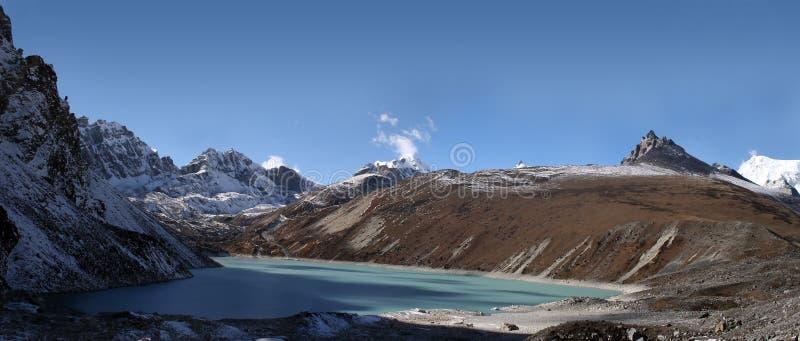 Ngozumba Tsho - Himalaya fotografía de archivo