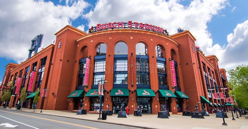 Ângulo de Louis Cardinals Busch Stadium Wide de Saint imagem de stock