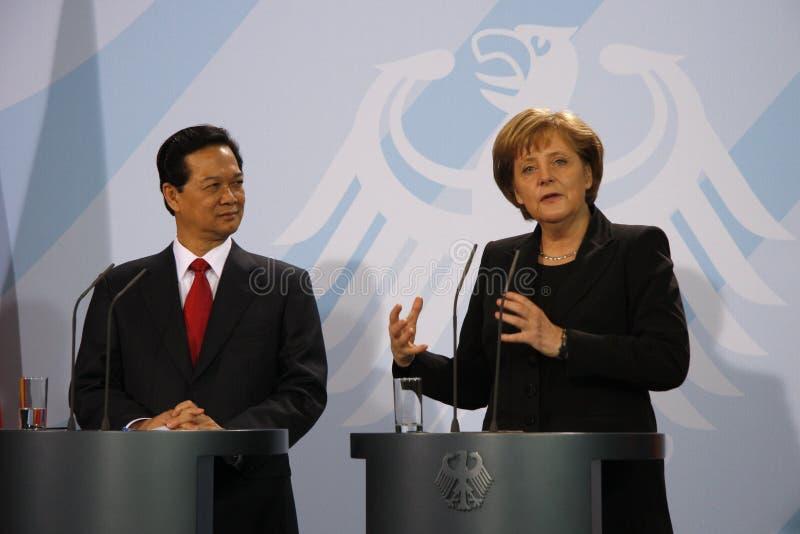 Nguyen Tan Dung, Angela Merkel stockfoto