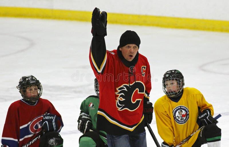 NHL-Hockey Theo Fleury Instruction royalty-vrije stock afbeeldingen