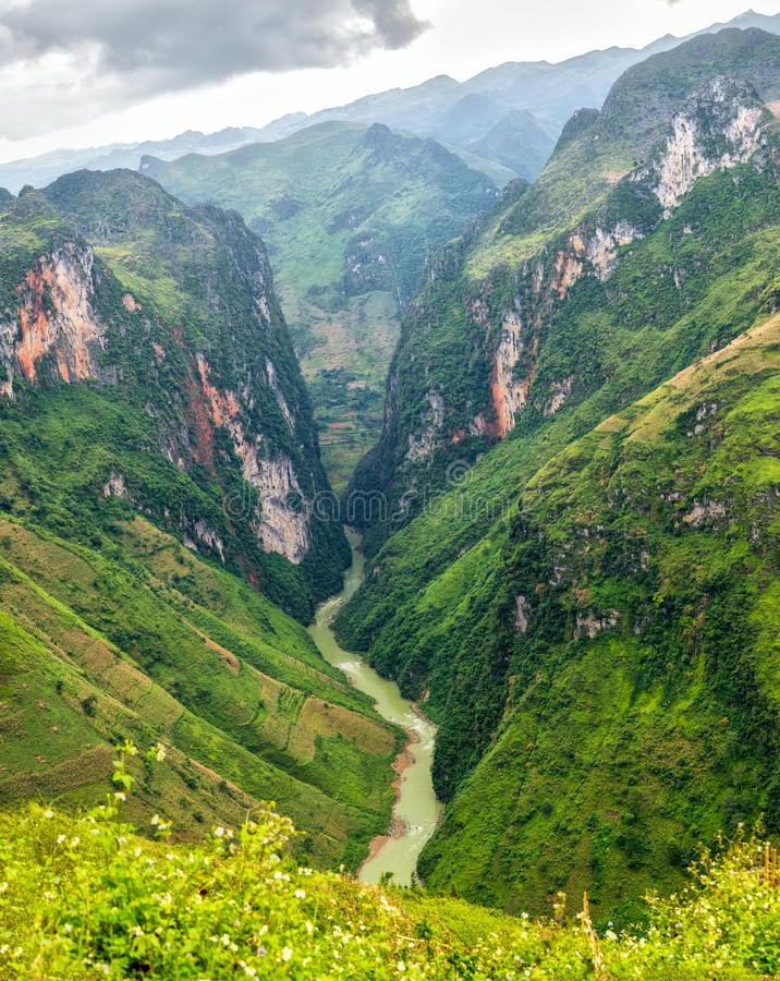 Nho Que River Valley, Van, Ha Giang. The river splits as long 24km winding mountain. This is also the symbol of Ha Giang province, Vietnam stock photos