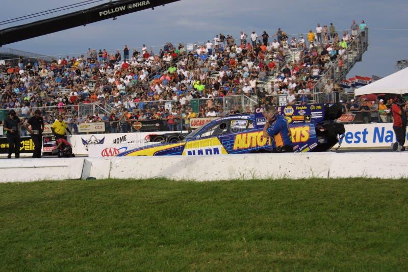 NHRA en el parque 2018 del Motorsports de la entrada imagenes de archivo