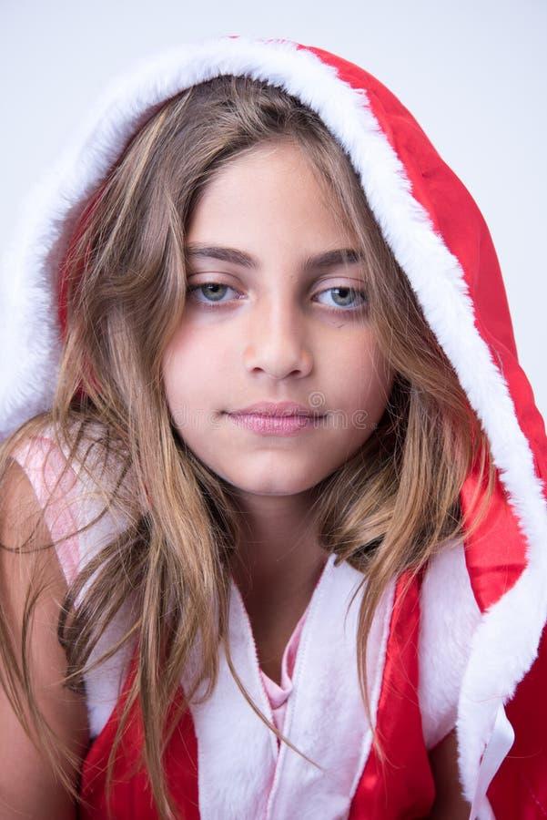 Niña con una mirada de la Navidad imágenes de archivo libres de regalías