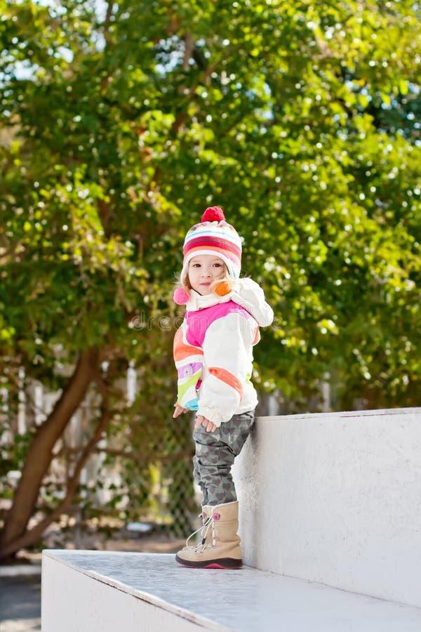Niña linda para un paseo fotografía de archivo libre de regalías