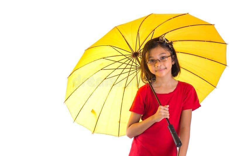 Niña y paraguas amarillo V fotografía de archivo