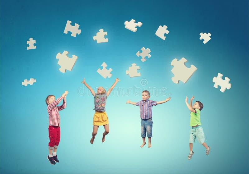 Niñez descuidada feliz imagen de archivo libre de regalías