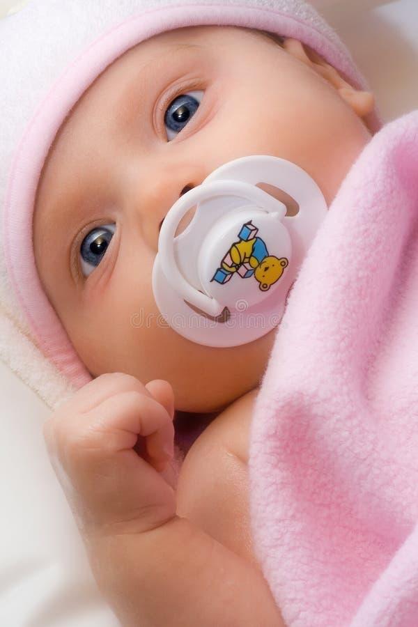 Niño adorable. imagen de archivo