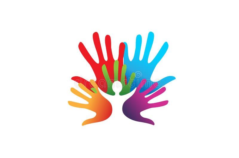 Niño colorido creativo de las manos dentro del logotipo stock de ilustración