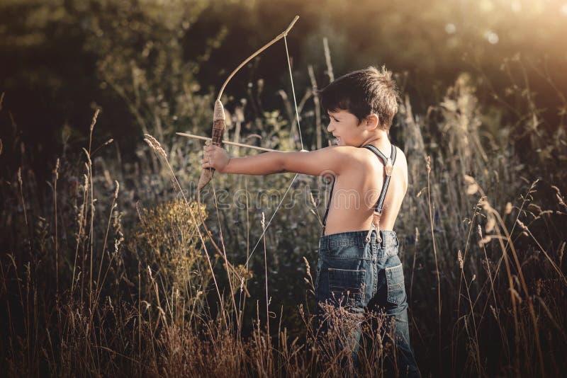 Niño de Archer imágenes de archivo libres de regalías