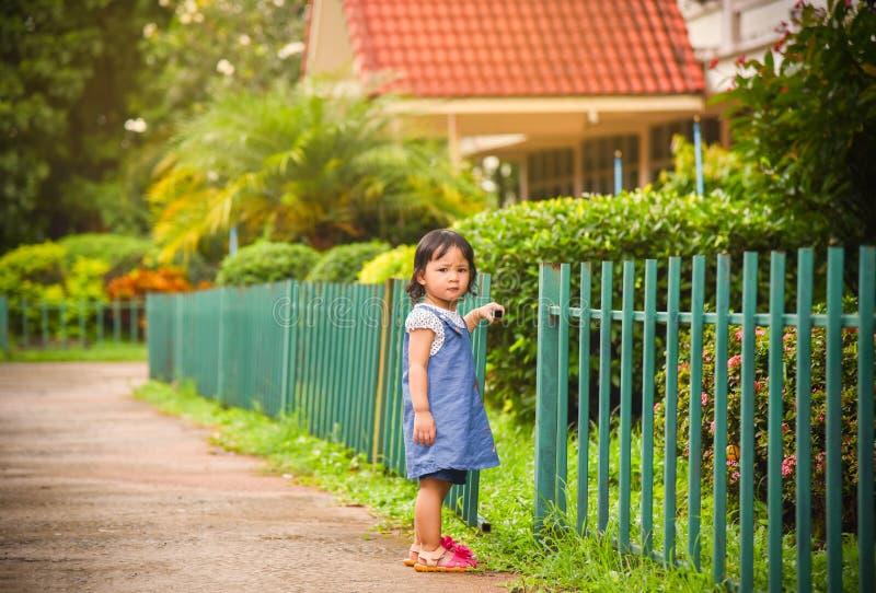 Niño de la muchacha fotografía de archivo libre de regalías