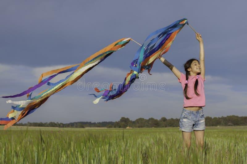 Niño de la muchacha del verano foto de archivo libre de regalías