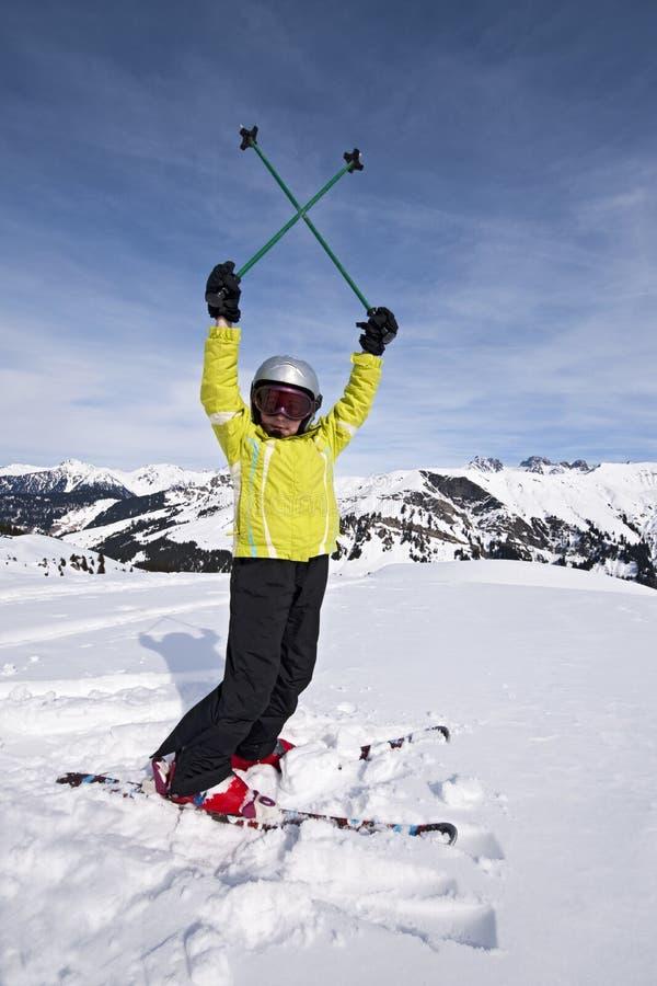 Niño en el esquí Areches, Saboya, Francia imagen de archivo