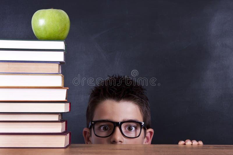 Niño en escuela imagen de archivo libre de regalías