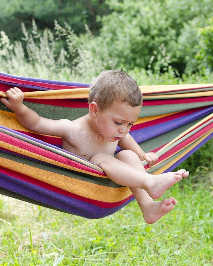 Niño en hamaca fotografía de archivo libre de regalías