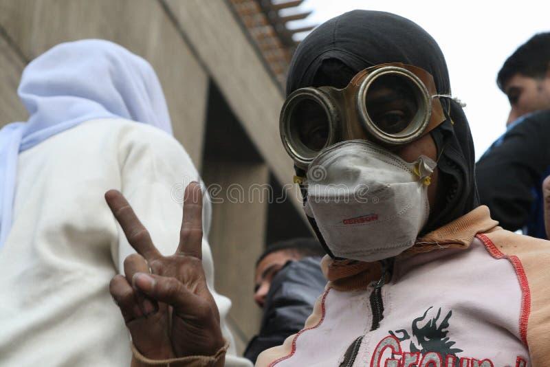 Niño enmascarado en la revolución egipcia foto de archivo libre de regalías