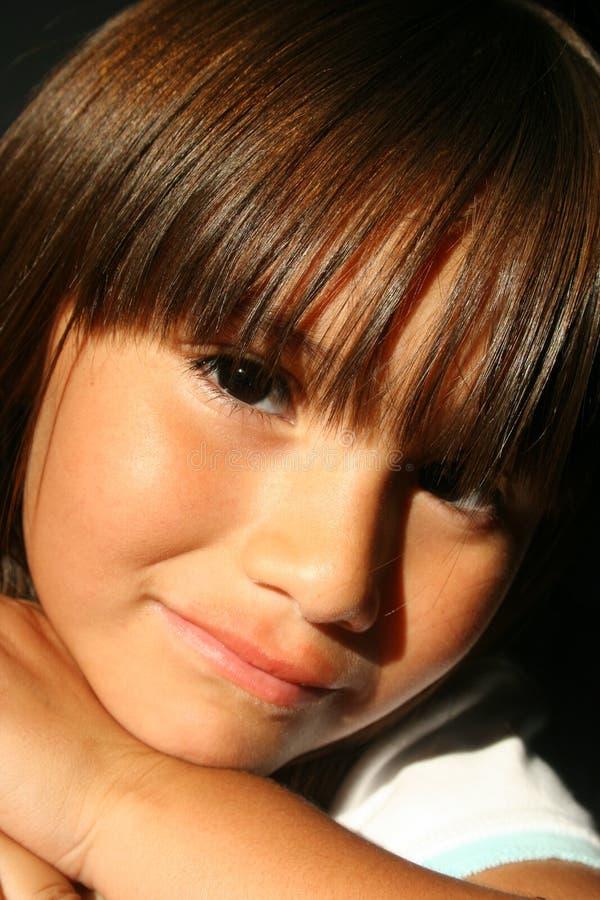 Niño hispánico hermoso imagenes de archivo