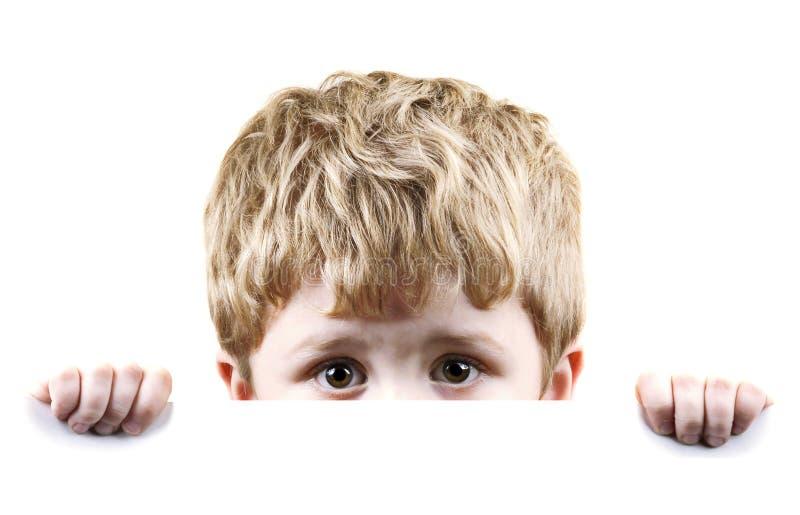 Niño pequeño asustado fotografía de archivo