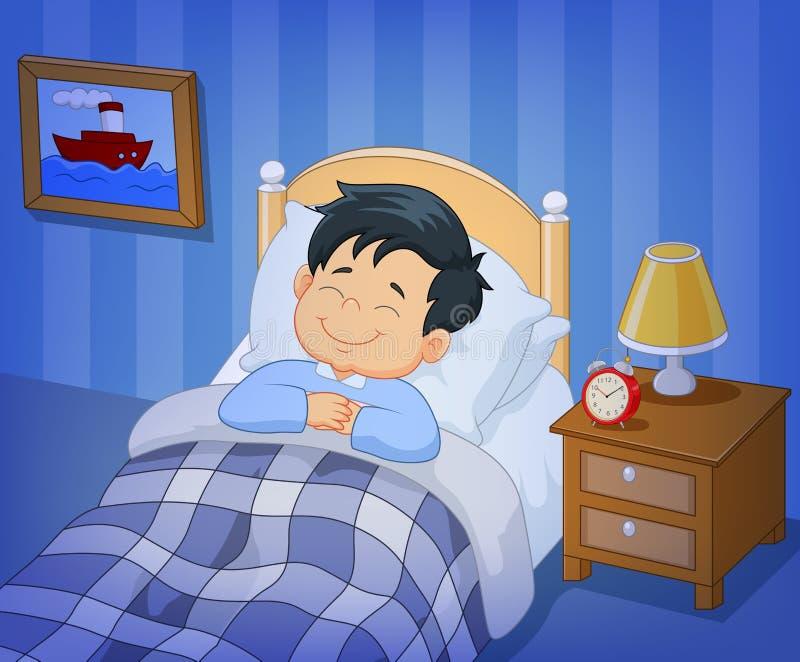 Niño pequeño de la sonrisa de la historieta que duerme en la cama stock de ilustración
