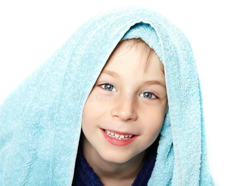 Niño pequeño hermoso después de ducha fotografía de archivo libre de regalías