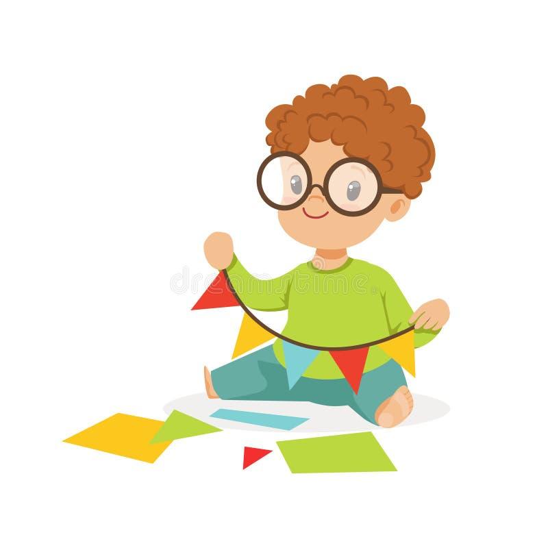 Niño pequeño lindo que hace una guirnalda de los banderines, de la creatividad de los niños, de la educación y del desarrollo inf stock de ilustración