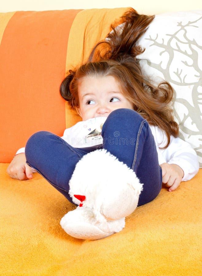 Niño soñoliento imagen de archivo libre de regalías