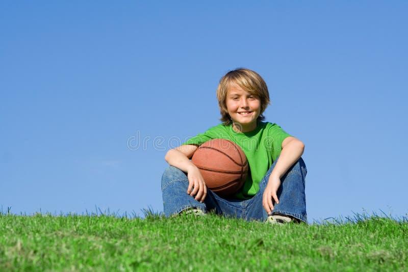 Niño sonriente feliz imagen de archivo libre de regalías