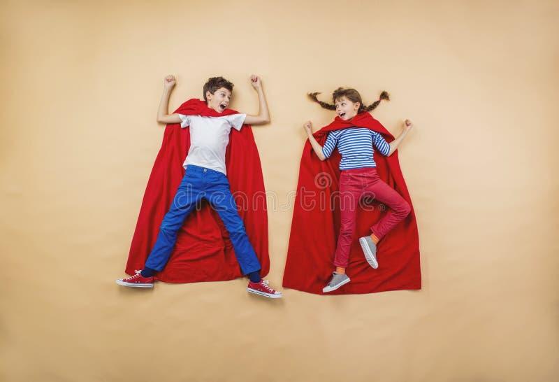 Niños como super héroes imágenes de archivo libres de regalías