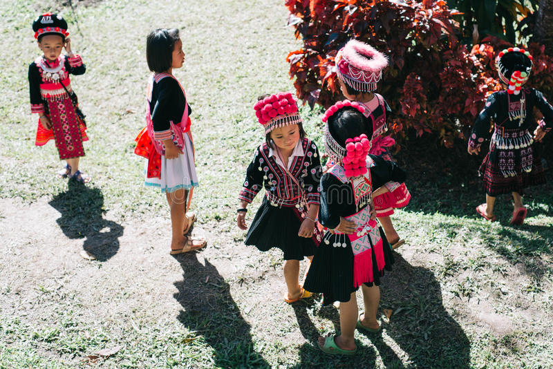 Niños de la tribu de la colina de Hmong fotos de archivo