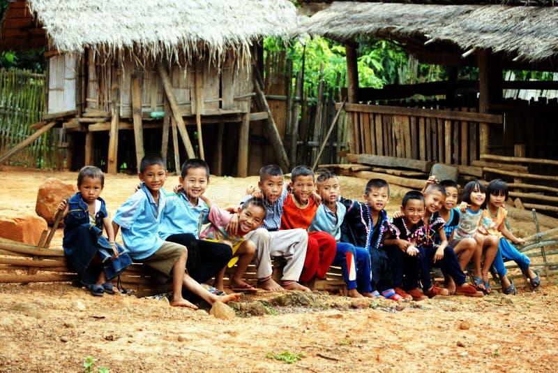 Niños de la tribu de la colina de Lahu imagen de archivo