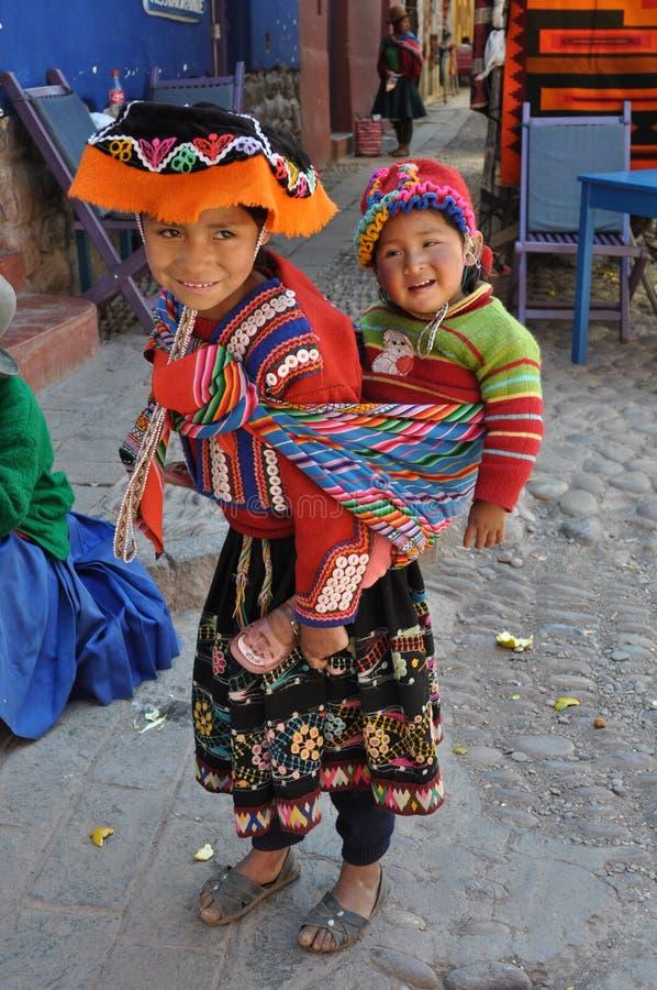 Niños de Perú imagen de archivo libre de regalías