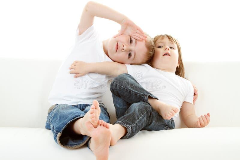 Niños de relajación   imagen de archivo