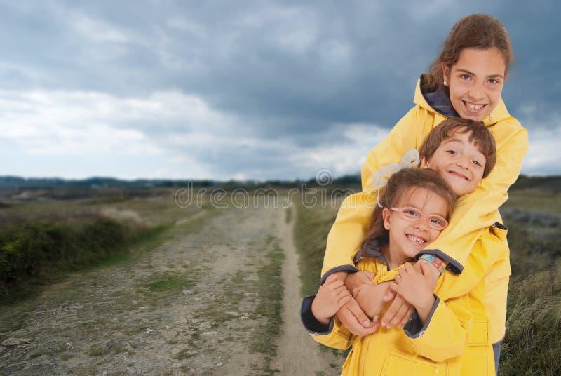 Niños en día de fiesta rural fotografía de archivo