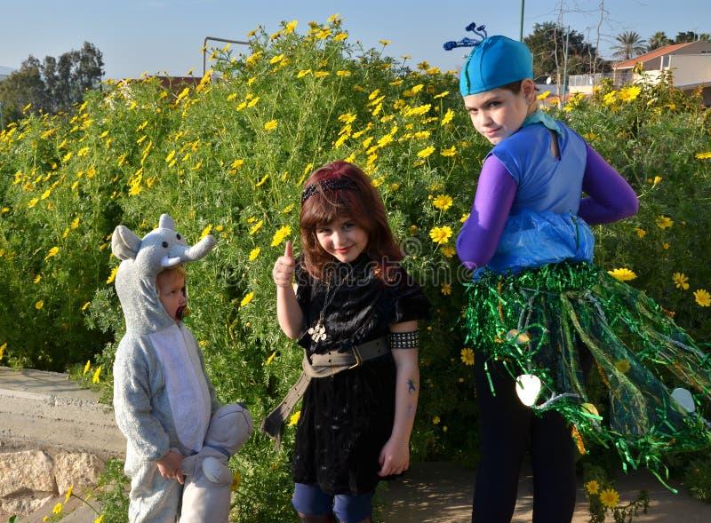 Niños en el carnaval de Purim foto de archivo