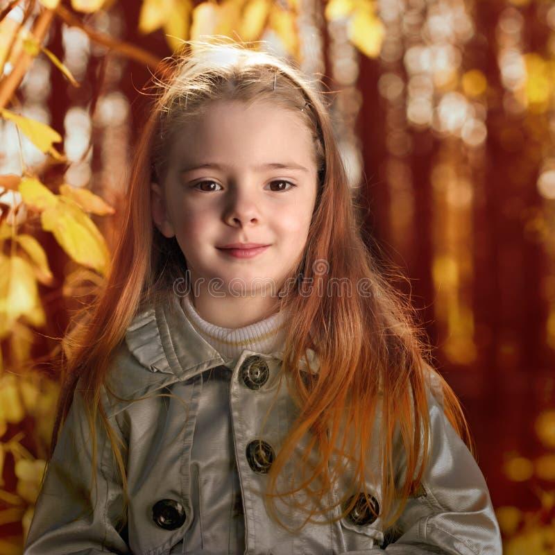 Download Niños en parque del otoño imagen de archivo. Imagen de parque - 44853867