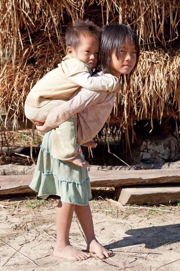 Niños en pobreza foto de archivo libre de regalías