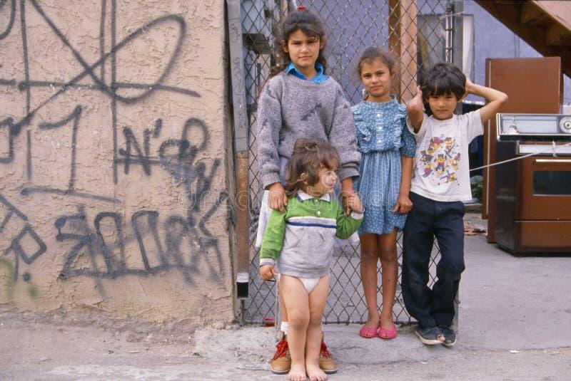 Niños en pobreza fotografía de archivo libre de regalías